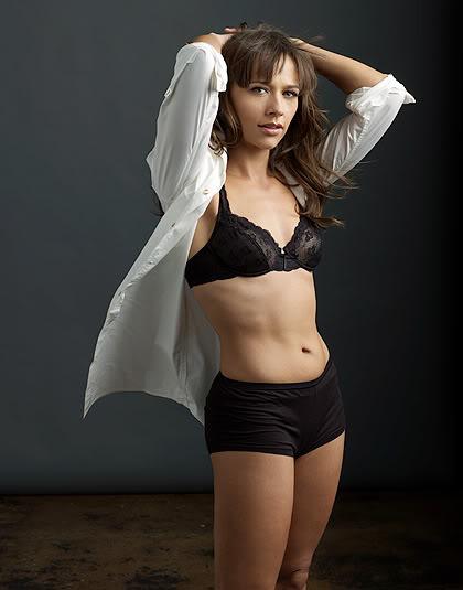 Alfa img - Showing > Rashida Jones Body
