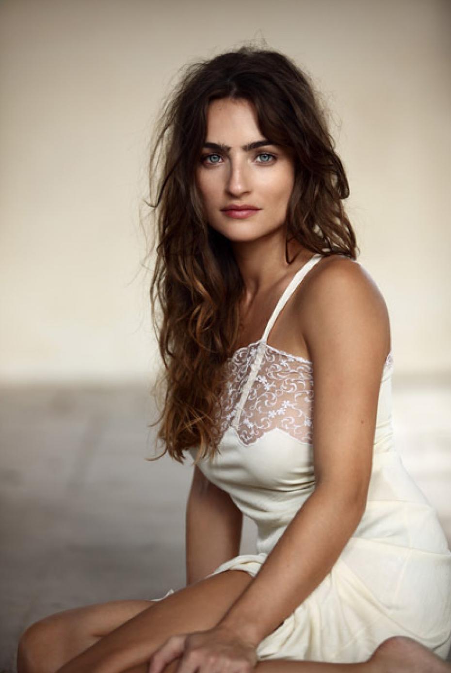 l-actrice-ania-bukstein