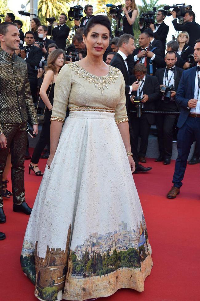 La robe Jérusalem de Miri Regev à Cannes : arrière-goût et arrière-garde